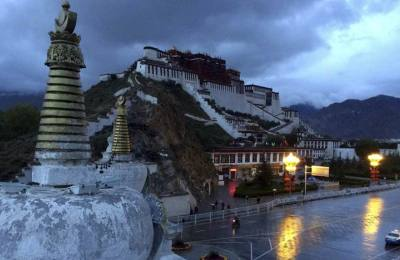 Sightseeing tour in Tibet